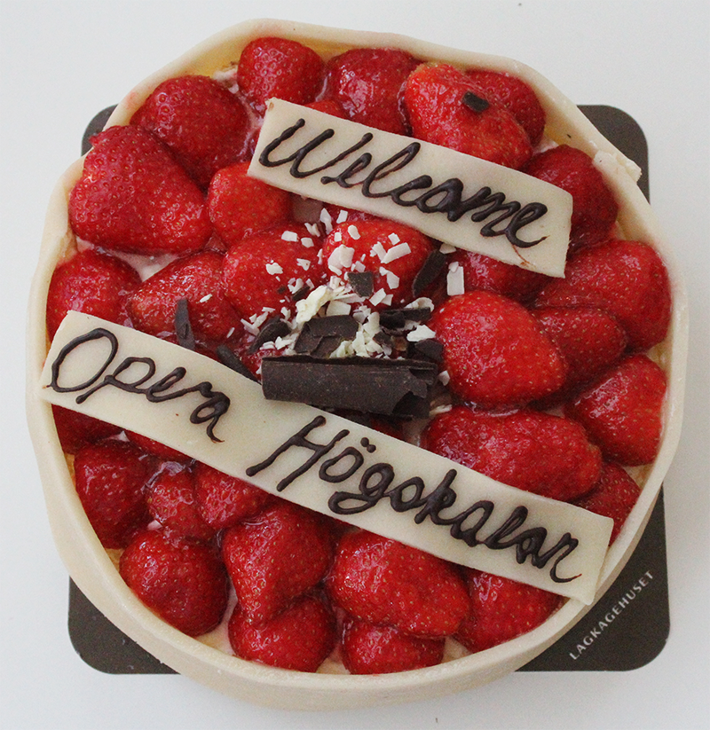 ASIMUT welcome cake for Operahögskolan